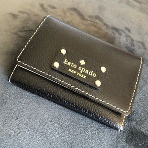 Small keychain wallet